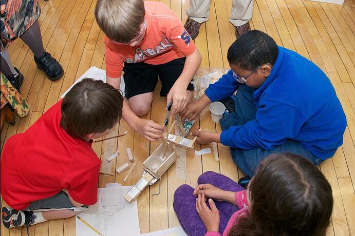 kidsworkingcircle.jpg