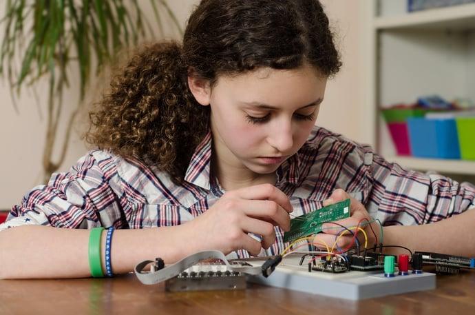girls-in-STEM.jpg